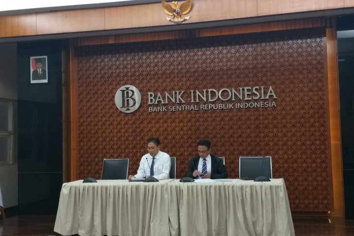 Indonesia's forex reserves decline by US$200 million in April