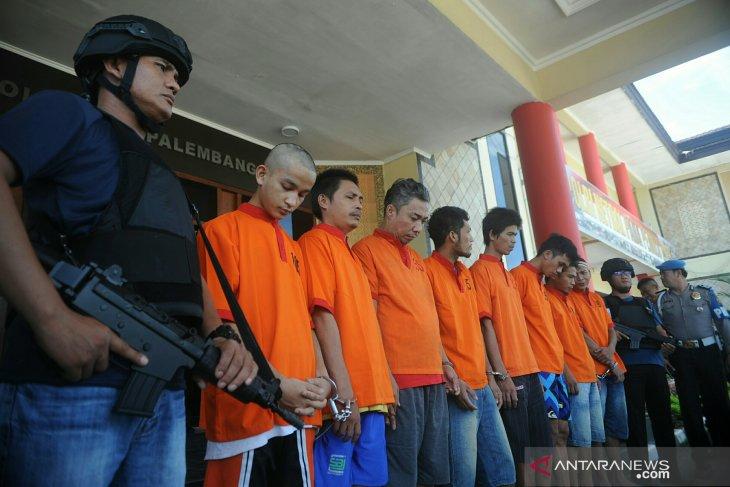 Polresta Palembang bekuk lagi dua tahanan yang kabur