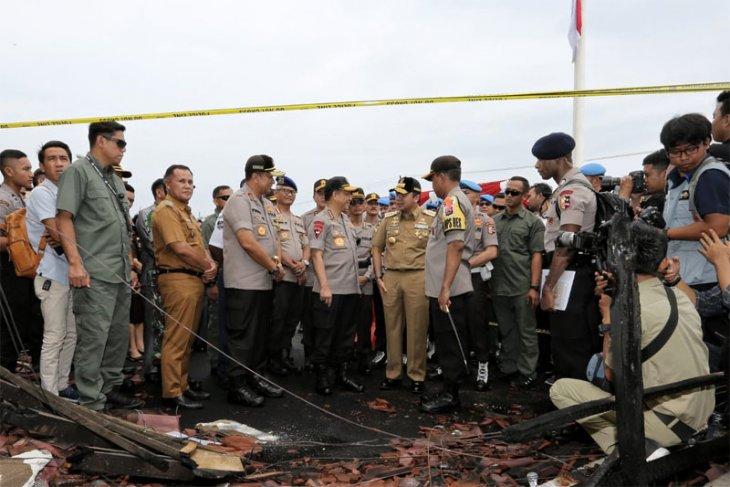 Gubernur Ridho dan Kapolda Dampingi Kapolri Tinjau Lokasi Kebakaran Polres Lampung Selatan