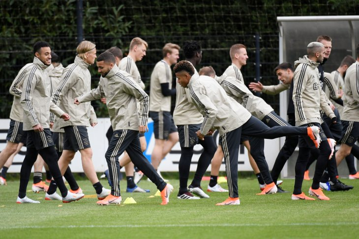 berpura-pura sakit demi Ajax, pemain Belanda dipecat