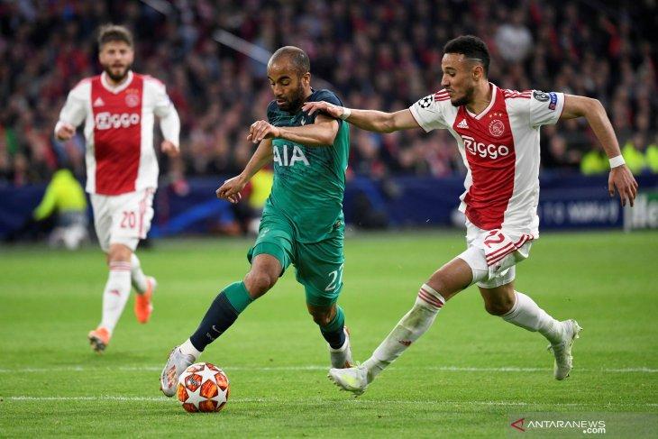 Play off Liga Champions, APOEL vs Ajax imbang 0-0