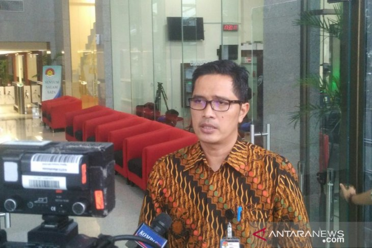 KPK issues summons to lawmaker over construction contract
