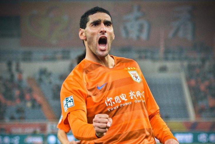 Fellaini kasus pertama COVID-19 di Liga Super China