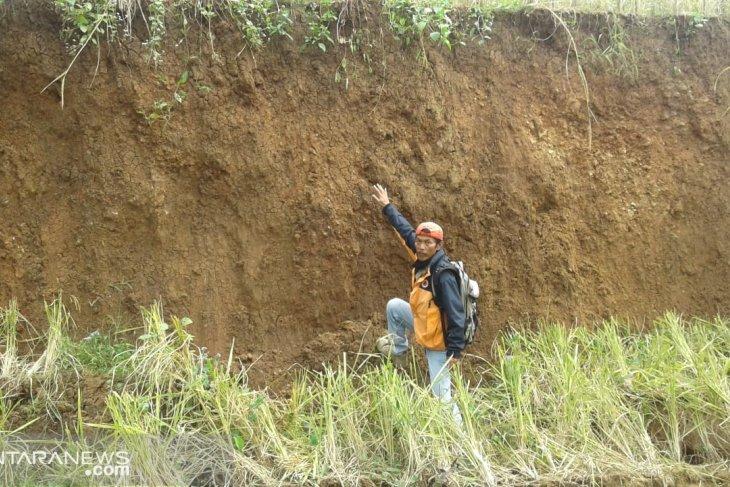Land subsistence in Sukabumi increases