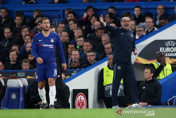 Sarri bertahan di Chelsea