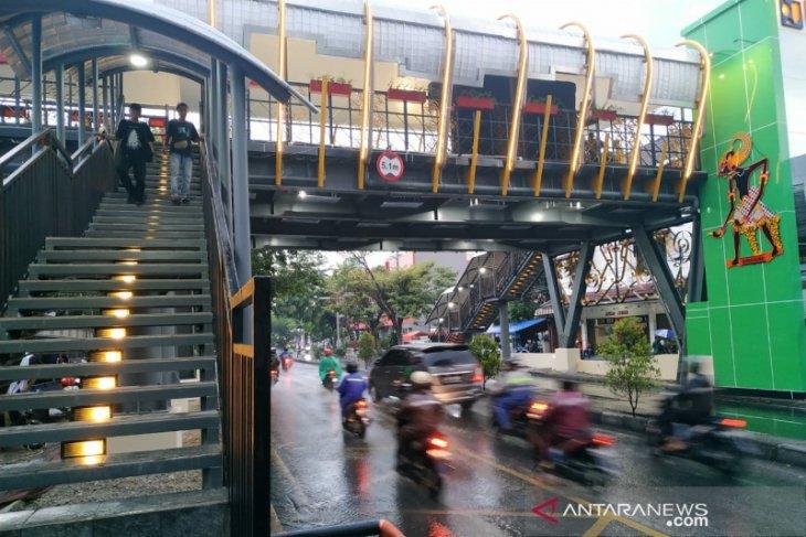 Public Works Ministry develops eco-friendly JPOs in Solo
