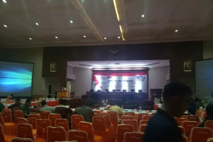 Pleno KPU Sumsel terpaksa menunggu Empat Lawang pascadiskorsing