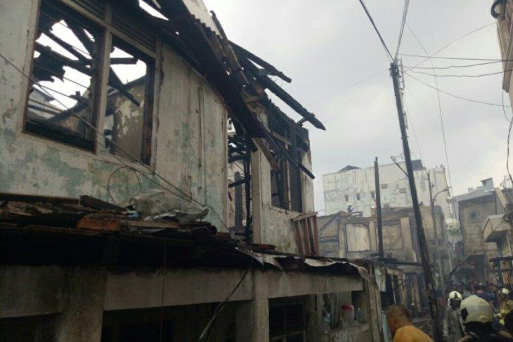 N Jakarta fire displaces 3,500 people