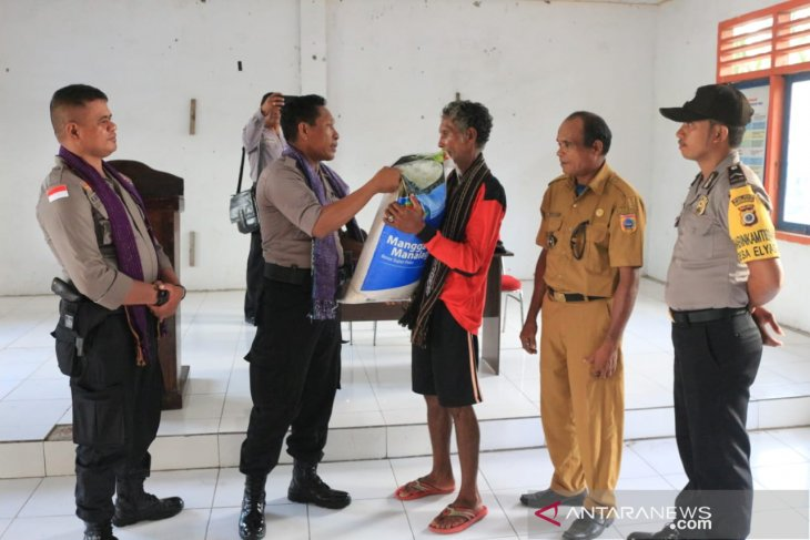 Polres MTB beri bantuan untuk penjaga batas NKRI