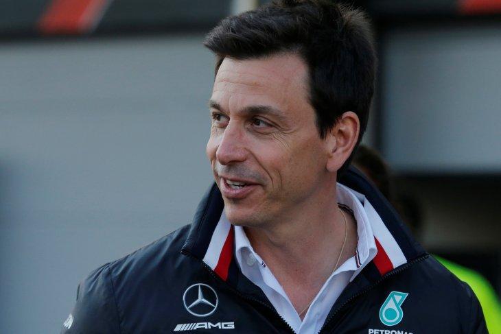 Hamilton kemungkinan pindah ke Ferrari ?
