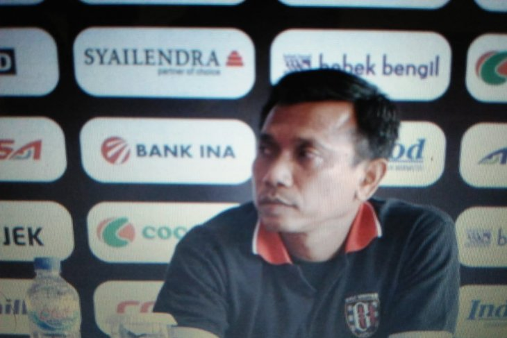 Persita Tangerang terapkan pola 4-2-3-1 latihan saat puasa