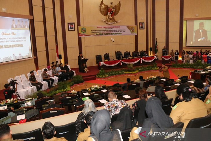 Paulus Sinulingga dilantik menjadi anggota DPRD Medan