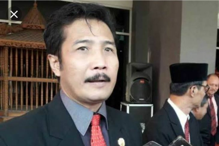 Ditetapkan tersangka, Ketua DPRD Tulungagung tetap raih suara terbanyak