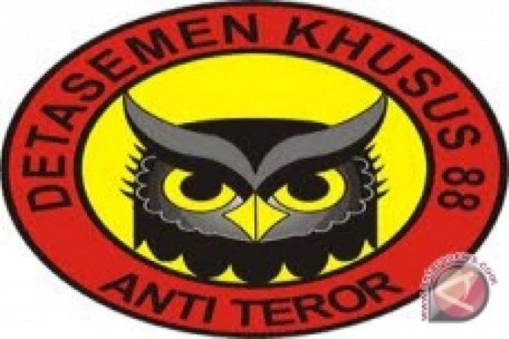 Densus 88 bekuk terduga teroris di Cilincing
