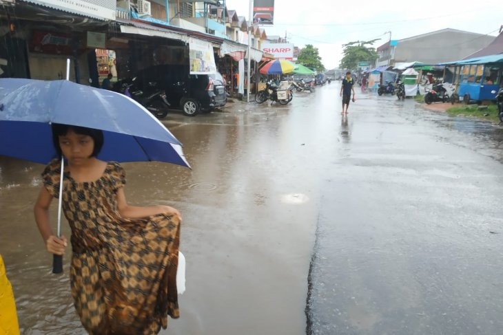 Pasar Telok Melano tergenang air