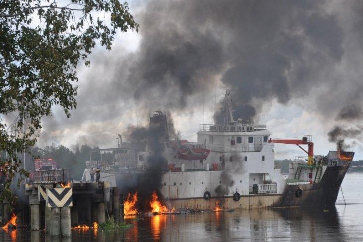 KM Sinar Maros terbakar di Merauke dua awak tewas