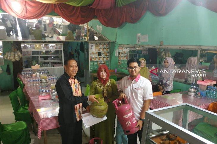 Diskumdag Pontianak-Pertamina sidak rumah makan yang masih gunakan elpiji subsidi