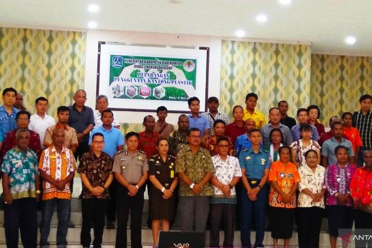 Biak district bans use of plastic bags