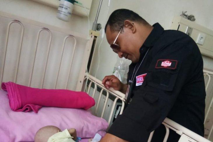 Scavenger's malnourished infant hospitalized in Batam Island
