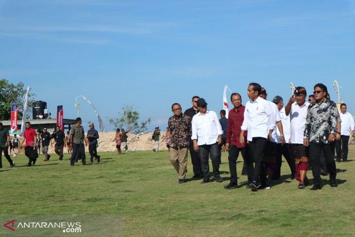 Jokowi pays visit to Kutuh sports tourism village in Bali