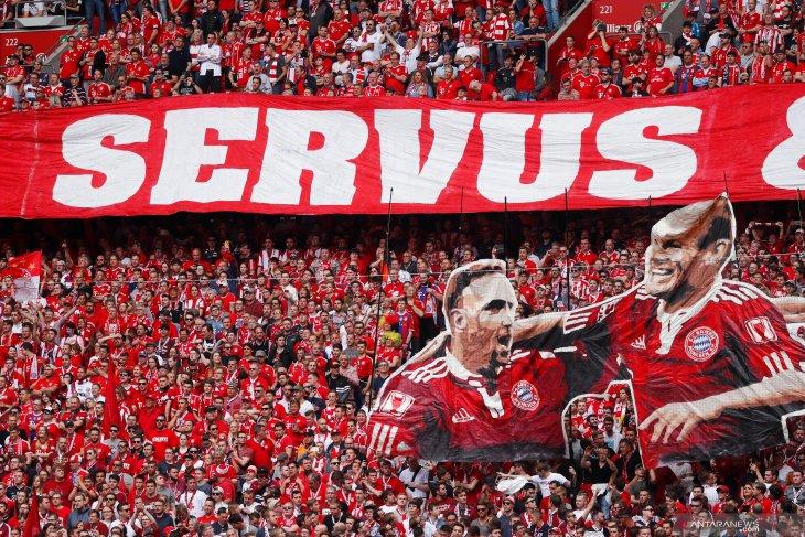 Penyerang plontos Arjen  Robben urung pensiun demi gabung FC Gronigen