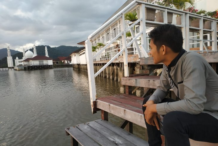 Ayo pilih dua objek wisata di Kayong Utara ini