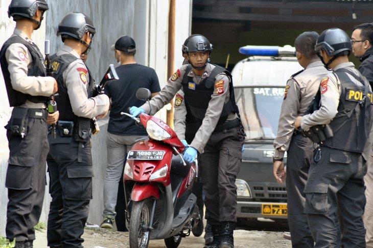 Dua terduga teroris ditangkap Densus 88 di Jatim
