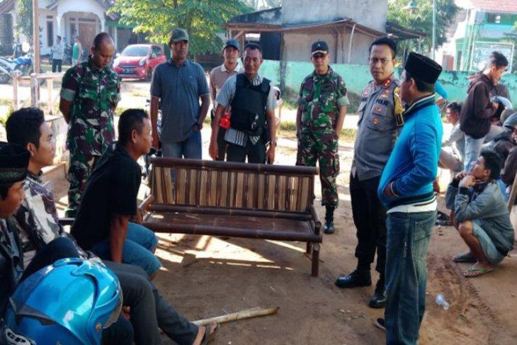 Miris, dua desa ini bentrok karena berita hoaks