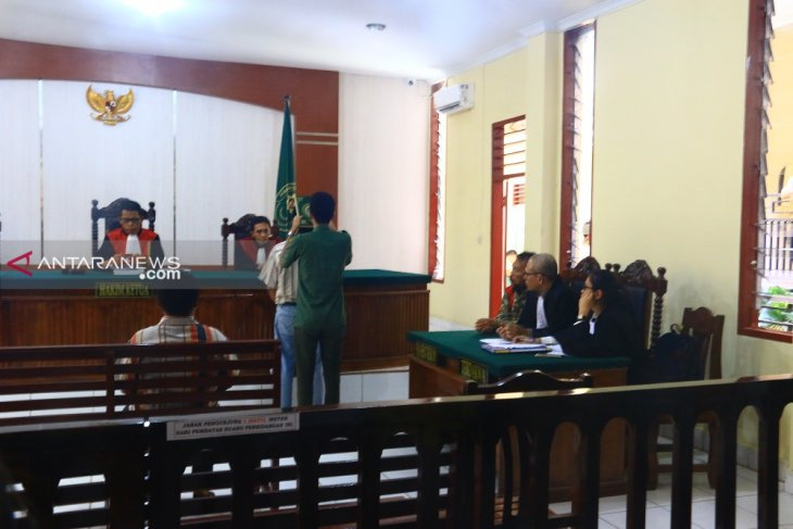 Raja Bonaran kembali disidang, dua saksi meringankan dihadirkan
