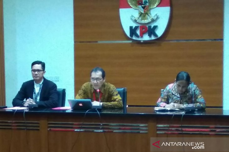 KPK bans five people from traveling abroad in graft case
