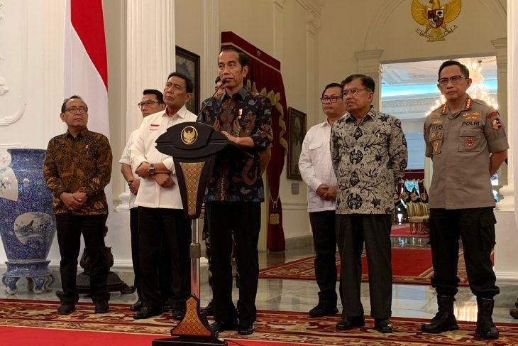 Jokowi will not tolerate those threatening security
