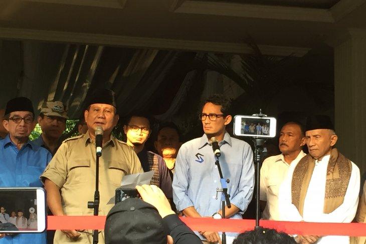 Prabowo visits riot victims