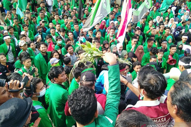 Aceh students call for immediate reconciliation among elites