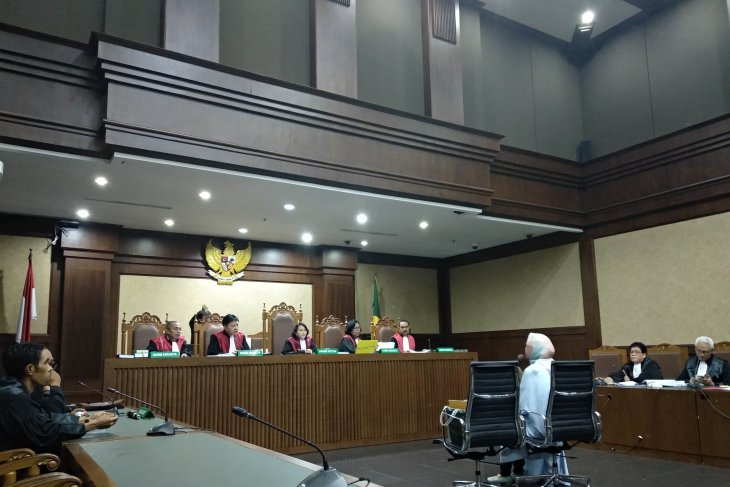 Mantan Dirut Pertamina  dituntut 15 tahun penjara