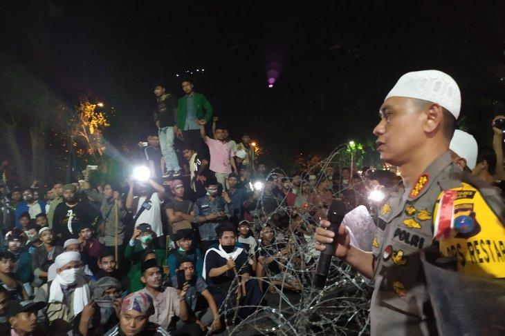 Pasca ricuh, Kapolrestabes  Medan dialog dengan masa aksi