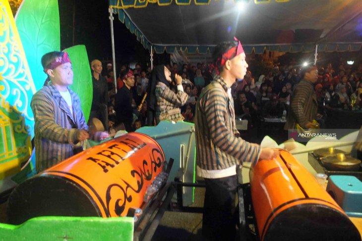Karnaval Musik Patrol Unej lestarikan kesenian tradisional
