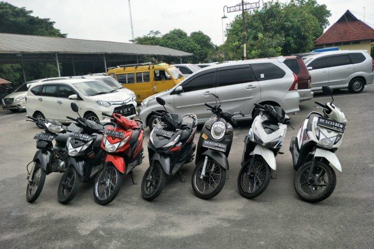 Satreskrim Polres Binjai ringkus empat pelaku pencuri sepeda motor