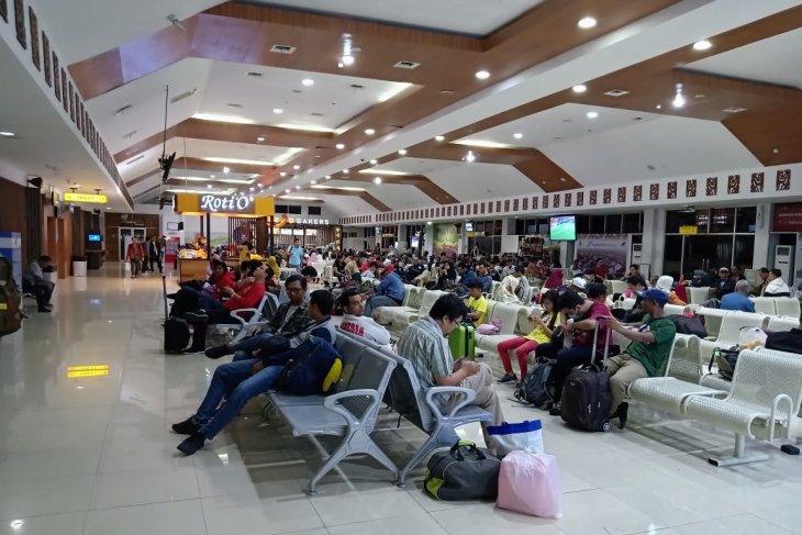 Homecoming flow begins to surge at El Tari Kupang Airport