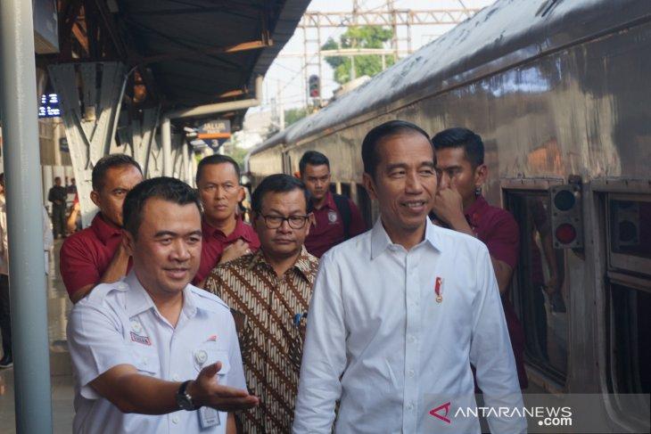 Presiden Jokowi kunjungi Stasiun  Pasar Senen