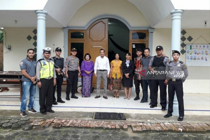 Polsek Toboali laksanakan pengamanan ibadah di gereja