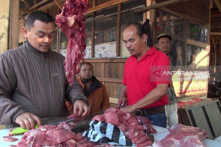 Permintaan daging sapi di Sukabumi naik 35 persen