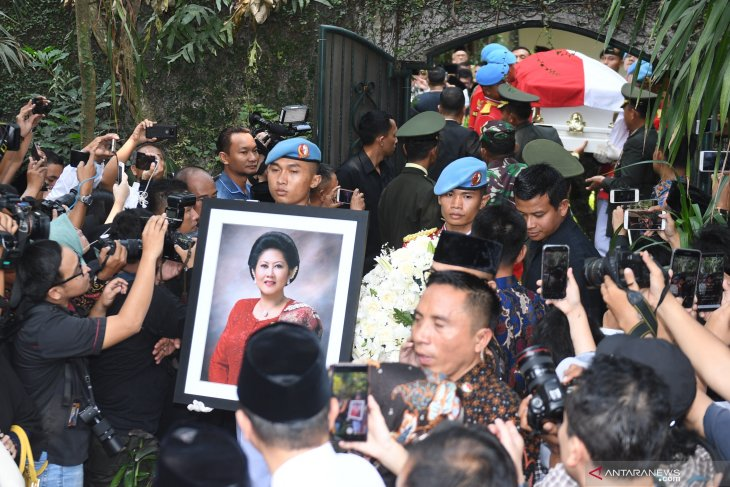 SBY ungkap cita-cita Ani Yudhoyono bila  sembuh