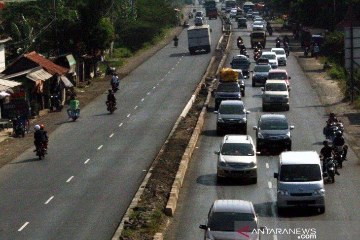H-3 jalan Arteri sampai ke jalur Pantura Karawang ramai lancar