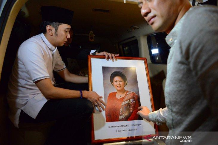 M Nuh sebut kondisi Ibu Ani Yudhoyono sempat membaik