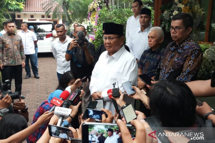 Prabowo apologetic for non-attendance at Ani Yudhoyono's funeral