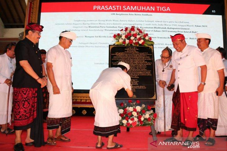 Gubernur Bali resmikan pemberlakuan Perda Desa Adat
