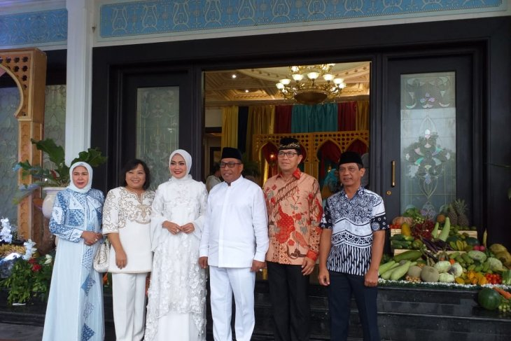 Tari tore ramaikan sambang griya di kediaman Gubernur Maluku