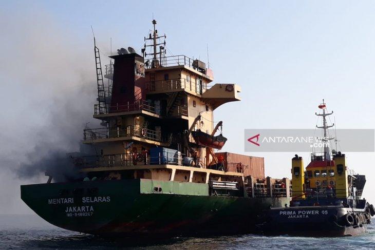KM Mentari Selaras terbakar di perairan Waingapu, NTT