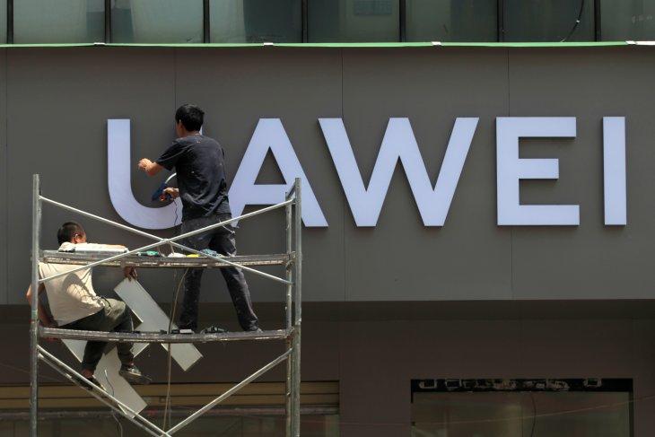 Penjabat kepala anggaran Presiden AS minta penundaan pembatasan atas Huawei