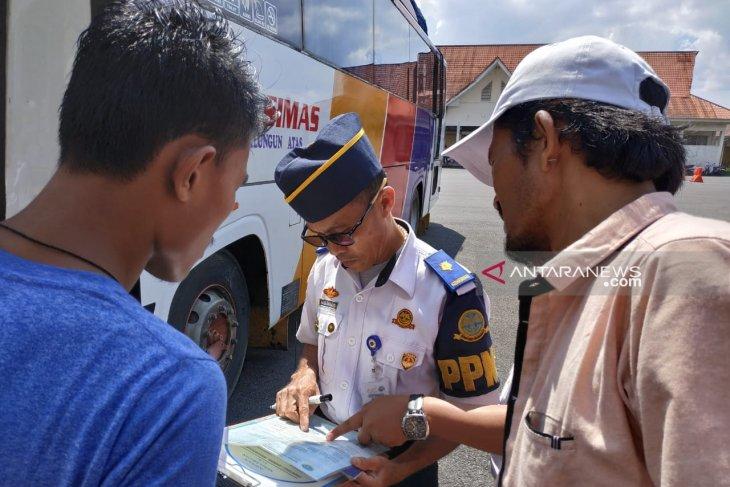 Arus balik Lebaran Terminal Simpang Nangka didominasi bus tujuan Jawa